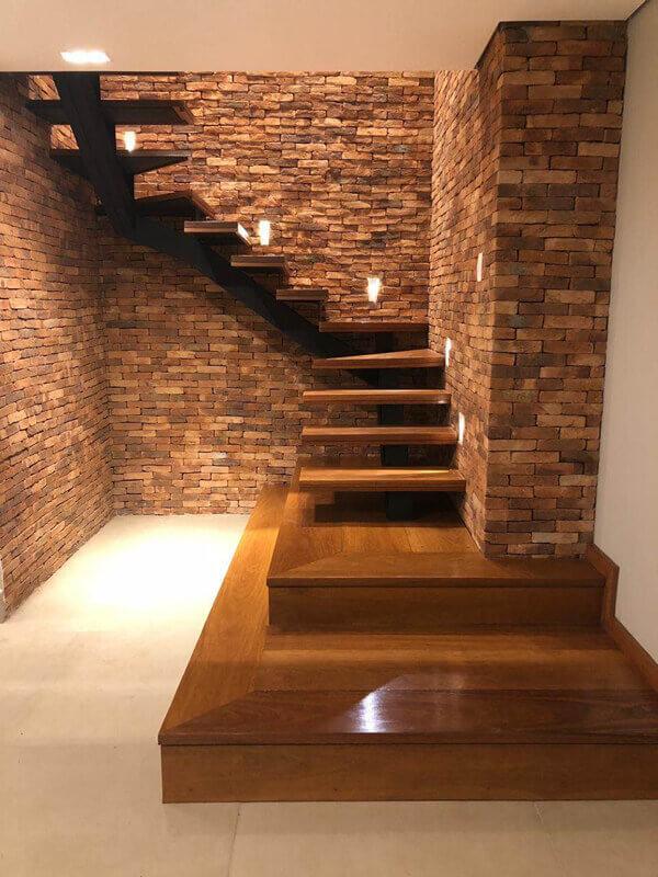 Escada de Madeira Cumaru