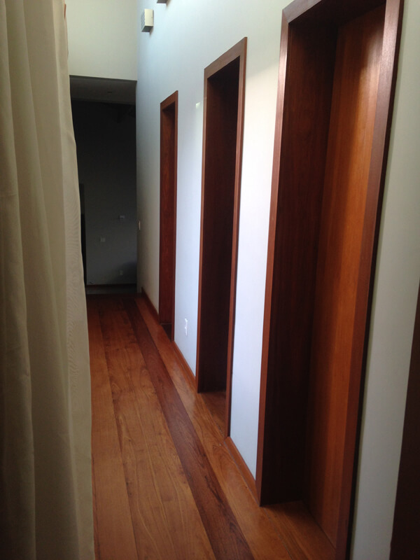 Porta prancheta interna de Ipê