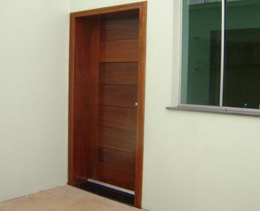Porta Externa da Garagem