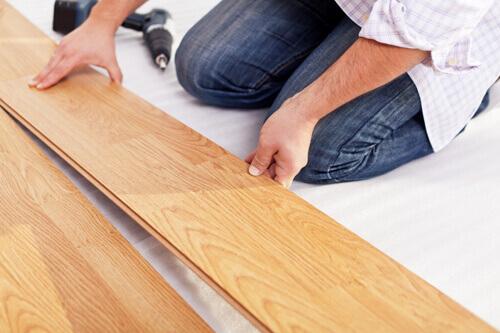 Instalação do piso de madeira