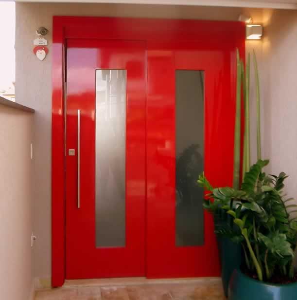 Porta Laqueada Vermelha