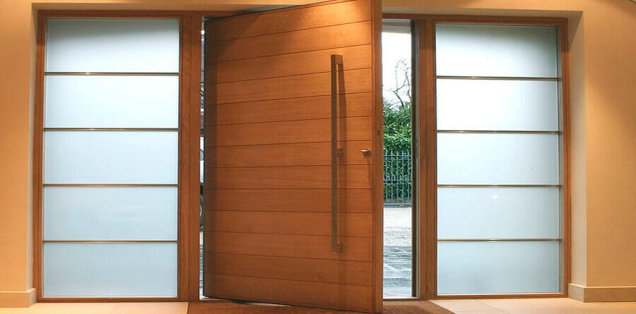 Tamanho de uma porta pivotante