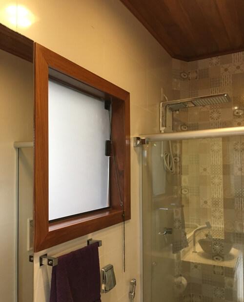 Janela de Banheiro com Vidro Blindex