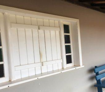 Como escolher portas e janelas de madeira para um sítio ou casa de campo?