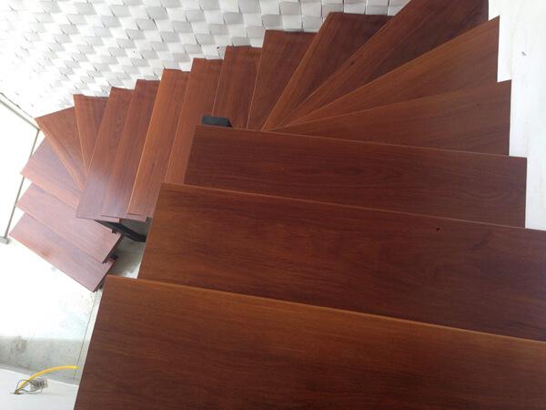 Escada de Madeira em Espiral