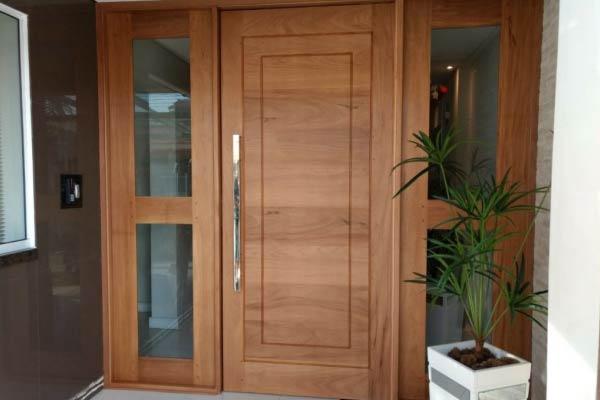 Porta de Entrada com Dois Vidros