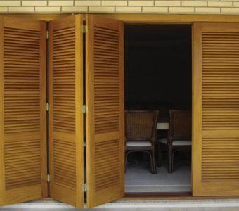 Saiba as principais vantagens de se utilizar uma Porta com Veneziana!