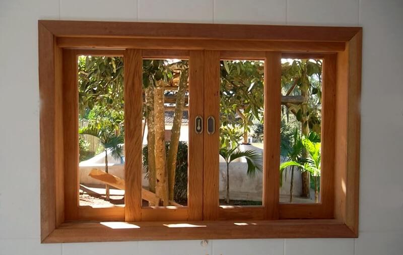 Janela de Madeira com vidro Panorâmico