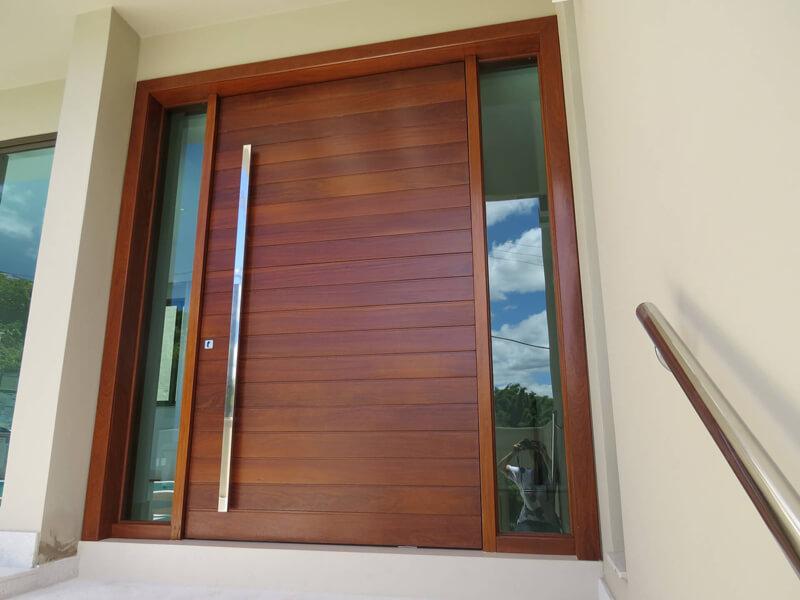 Porta Grande com Vidro