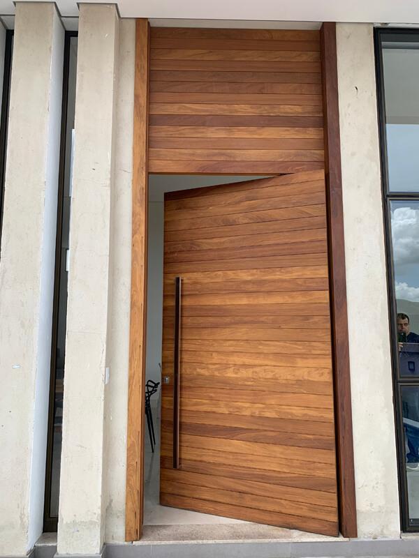 Porta Ripada Vista Externa