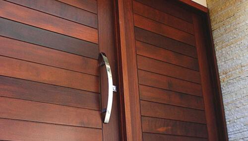 Portas de Madeira Itauba
