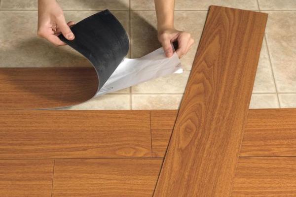 Como limpar piso vinílico