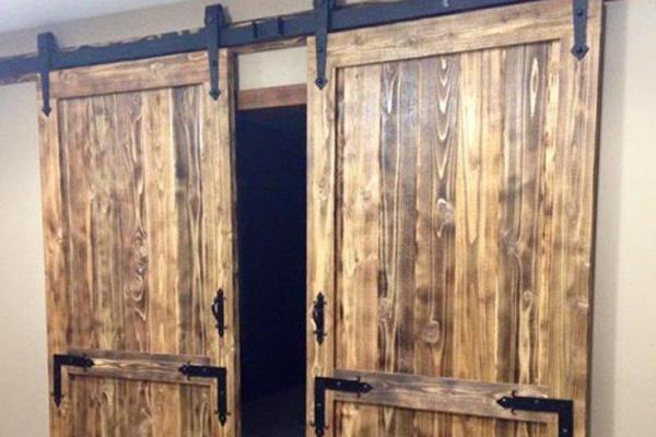 Porta Dupla Modelo Celeiro